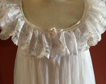 Vintage Tosca Lingerie White Large Peignoir Nightgown and Robe Set 100% Nylon
