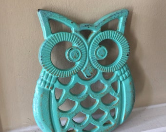 Owl Trivet/ Cast Iron Owl Trivet/ Distressed Trivet/ Shabby Chic Decor