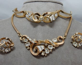 1952 TRIFARI 'The Enchanted Touch' Rhinestone Choker Necklace, Bracelet & Earrings Parure by Alfred Philippe   OAB21