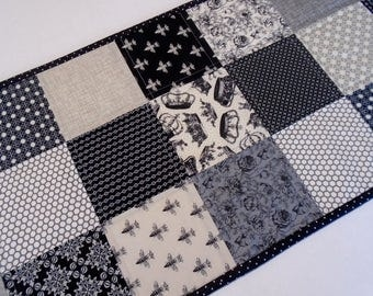 Contemporary Quilted Table Runner in Black, Gray and Ivory, Patchwork Quilted Table Topper, Queen Bee Table Runner, Modern Table Runner