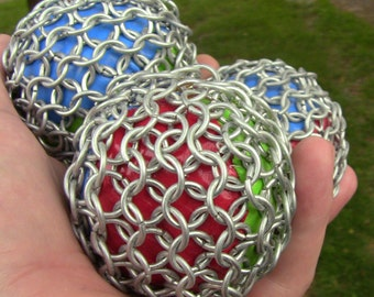 Chainmail Juggling balls, set of three, Juggling time with chainmail! Feel the texture, feel the weight! Time to Juggle!