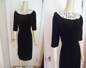 Black Velvet Hourglass XMAS Vintage 1950's Women's Classic Holiday Dress XS S