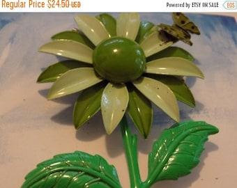 ON SALE Vintage brooch,hippie, flower power , olive green daisy flower brooch with butterfly, 1960s brooch, retro brooch, vintage jewelry, j