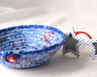 Labor Day Decoration, Handmade Red White and Blue Party Bowl, Toothpick Bowl, Picnic Fabric Basket, Gift Basket, Patriotic Decoration