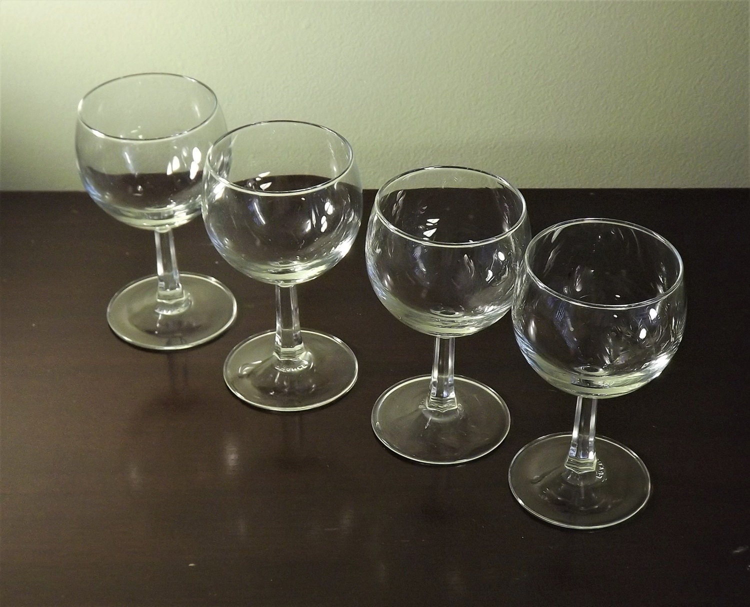set of 4 mini wine glasses clear cordial glasses wine. Black Bedroom Furniture Sets. Home Design Ideas
