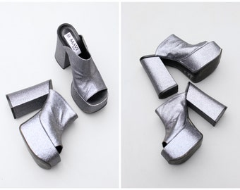 vintage 70s glitter platform disco shoes - Italian chunky platforms / 80s glam rock heels - pewter glitter heels / silver glitter platforms