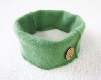 Cashmere Earwarmer Headband Medium GREEN Ear Warmer Head Band Upcycled Sweater by WormeWoole