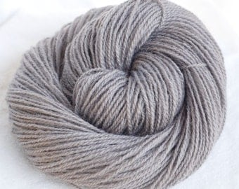 Wool Yarn, Grey, Worsted Weight, 100g, 200 Yards, Pure New Zealand Wool, Destash