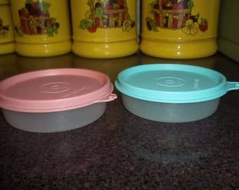 Set of 2 Vintage Tupperware Little Wonders Snack Bowls in Pastel Colors in EXCELLENT condition