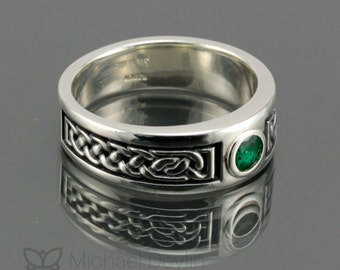 Mens Celtic knot ring with emerald