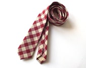 Necktie, red check, heavy cotton weave, a beautiful weight - mens handmade custom neckties online from Bagzetoile. Ships worldwide