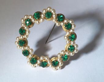 Vintage Circle Pin with Green Rhinestones and Faux Pearls
