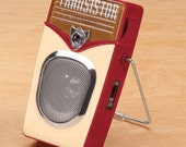 60's Retro- Style AM/FM Transistor Radio