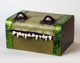 Giant Green Mimic Monster Box