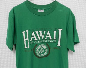 vintage University of Hawaii T Shirt green Rainbows tee 50/50 stretchy college crest 80s 90s USA made warriors original Hawaiian shirt