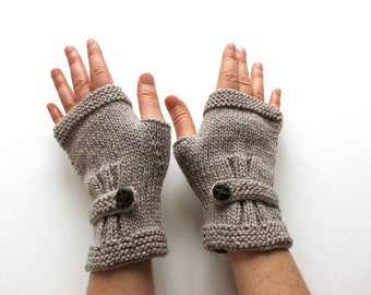 Autumn Finds / HOLIDAY Sale / Hand Knit Fingerless Gloves  / Brown  /  Medium size fits most / Autumn color