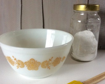Vintage Pyrex Butterfly Gold Mixing Bowl / Pyrex Nesting Bowl / Yellow Floral Bowl