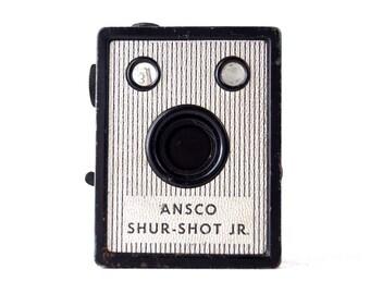 Vintage Ansco Shur Shot Jr. Camera (c.1940s) - Collectible, Display or Photo Prop