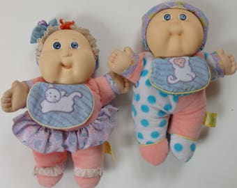 TWO vintage Hasbro Xavier Roberts Babyland 1988 Twin Cabbage Patch Baby Dolls