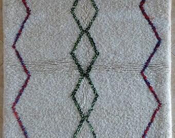 "155X105 cm 5'1"" x 3'5""     FREE SHIPPING WORLDWIDE AZ31896 Ourika ,Beni Ourain vintage berber rug Morocco,wool carpet ,boucherouite"