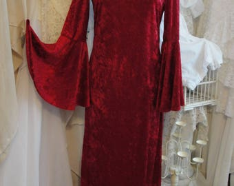 1960s Maxi dress with bell sleeves, crushed velvet look, hippie gypsy boho bohemian, Stevie Nicks style