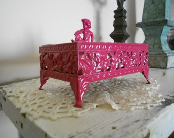 Shabby Chic Petite Vintage Filigree Cherub Topped Footed Tissue Dispenser - Raspberry