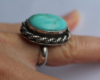 Sterling silver Rope  design Ring  with Pale Blue Turquoise Size 6 1/2