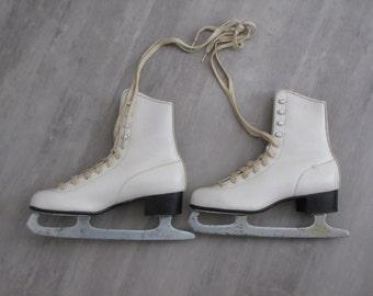 Vintage White  Womens Ice Skates - Christmas Decor - size 8