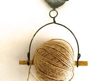 Vintage style string holder