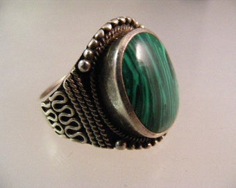 Vintage  Mens Bali Style Ring in Sterling Silver with Block Malachite.....  Lot 5180