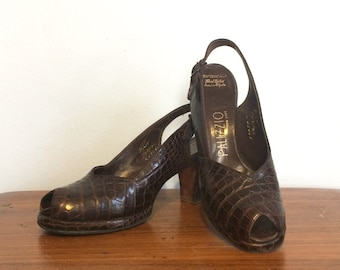 Vintage 40s Alligator Platform Heels / Peeptoe Brown Reptile Slingback Pumps / Rockabilly Swing Shoes /  8.5 N