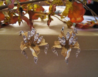 Boucher Gold and Rhinestone Flower Clip Earrings - Vintage - Signed on Back -  Active Design