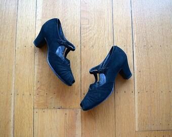 Vintage 1930s shoes . 30s black T strap heels
