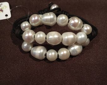 Cluster pearl cuff