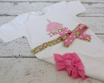Girls First Birthday Cupcake Shirt in Pink and Green, Ruffle Bottom Bodysuit, I'm One Embroidered Shirt and Bow, Ready to ship Girl Birthday