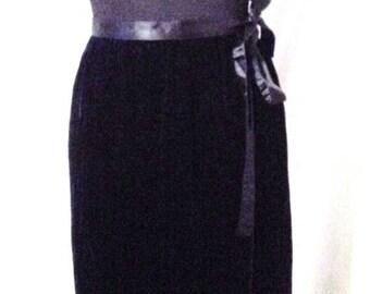 "MEMORIAL DAY SALE 80s Vintage Geoffrey Beene-Beene Bag Black Velvet Dirndl Wrap Skirt-Small-28"" Waist-Size 4-Hipster-Evening Party High Fash"