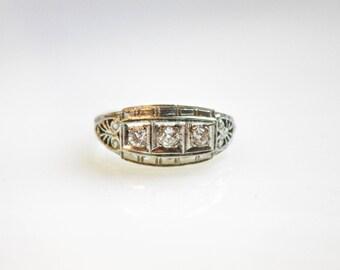 Vintage 1920s Art Deco Triple Diamond Engagement Ring / 14K White Gold with 3 Diamonds / Size 5 1/2
