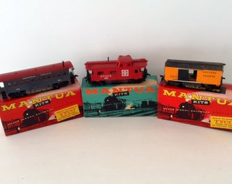 Mantua Trains - TYCO - HO scale - Central Pacific - Caboose - Model Railroading - train layout - Train collector - collectible