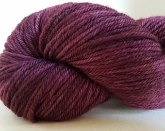 Superwash Merino, worsted weight yarn, 218 yrds, 100 gr