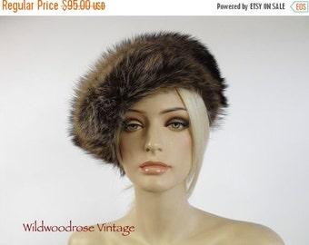 HOLIDAY SALE Vintage Raccoon Fur Hat - 1970's Fur By Vittorio - Boho Winter Fur - Mint Condition - Fashion Fur Side Tilt Hat - Ladies Medium