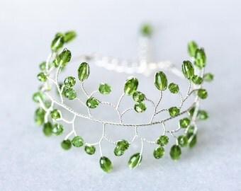 61_Green bracelet twig, Crystal bracelet, Silver bracelet, Delicate bracelet, Jewelry wire accessories, Green crystal bracelet, Women's gift