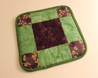 Single Potholder - Green PUrple Cream - Christmas Mother's Day Holiday Gift