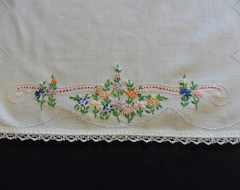 "Vintage White Dresser Scarf, 19"" X 41"" hand embroidered flower garden country cabin shabby chic"