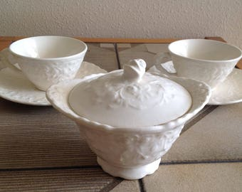 6 Pc Pope Gosser Rose Point Sugar Bowl with Lid 2 Cups & Saucers Vintage 40's