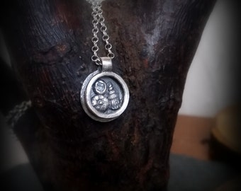 Silver shadow box pendant, By the seashore by RECREATE4U