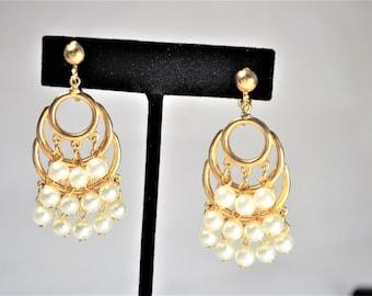 Luscious Gold Toned Pearl Dangle Earrings   E1663a-122416000