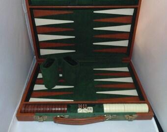 Vintage BACKGAMMON Game set Case corduroy Briefcase style Green color 20 x 15