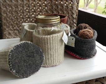 Recycled wool cosie cup containers