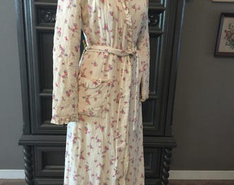 40s 50s Rose Rayon Robe