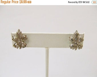 On Sale Vintage Rhinestone Leaf Earrings Item K # 2773